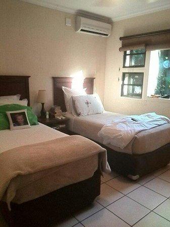 Ngwenya Lodge: Unit 224 Second bedroom