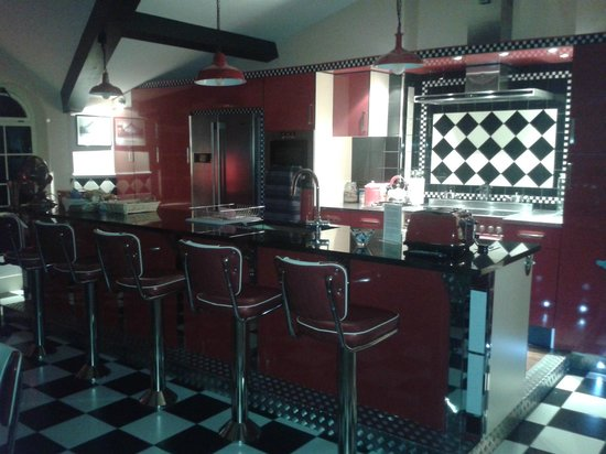 The PitStop Boutique Hotel: Diner