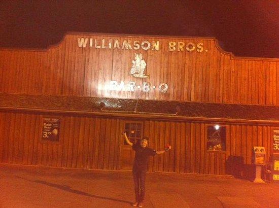 Williamson Brothers Bar-B-Q : Williamson Brothers