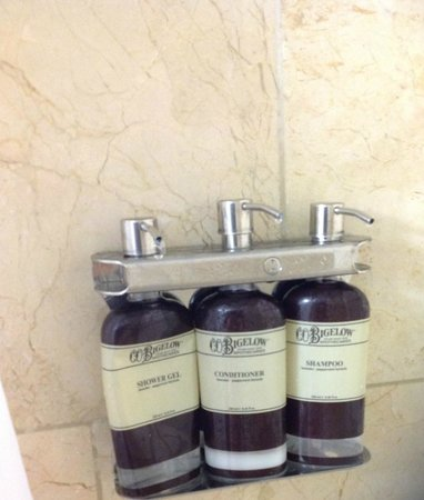 The Hotel Modern: The Body Wash and Shampoo completly empty in shower