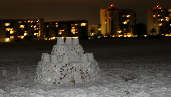 Carlos Pointe Beach Club Condominiums: Sandcastle with Carlos Point in the background
