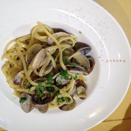 Eataly Bologna : Linguine alle vongole!!