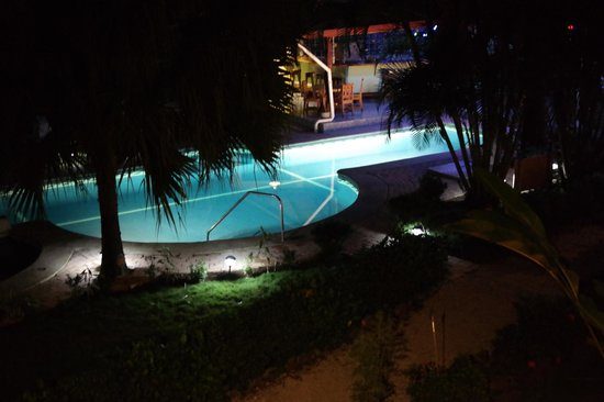 Giardino Tropicale: View from our suite at night