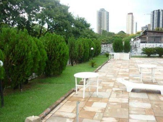 Salvatti Iguassu Hotel: alrededores de pileta