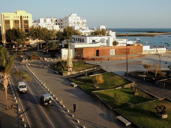 Apartaments Islamar Arrecife: Vue (est) depuis Islamar direction centre-ville