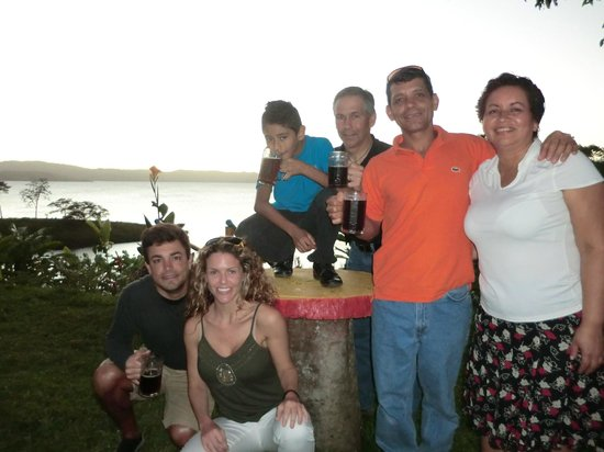 Restaurant by the Lake Tinajas Arenal: Dinner with BEST friends