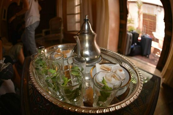 Riad Palais des Princesses: welcoming cookies and sweet mint tea