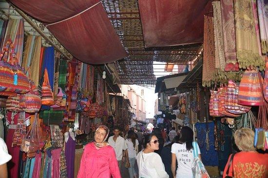 Riad Palais des Princesses : market