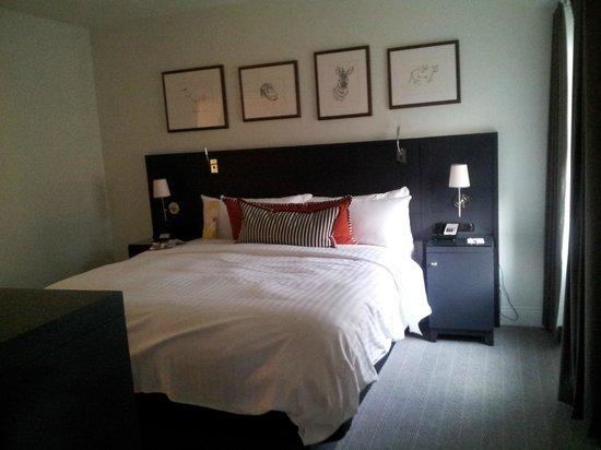 College Park Marriott Hotel & Conference Center : Rm 241 Jr Suite New Building Bedroom