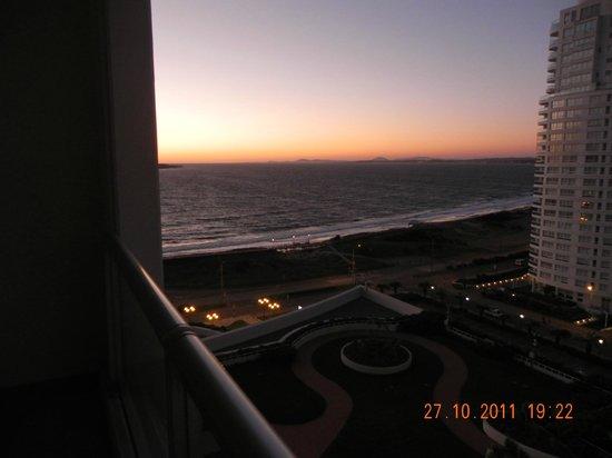 Conrad Punta del Este Resort & Casino : Por do sol