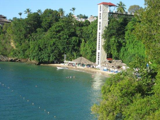Grand Bahia Principe Cayacoa : view from the bridge to no where