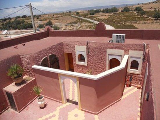 Riad Rev Aventures : patio terre