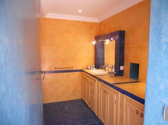 Riad Rev Aventures : salle de bain