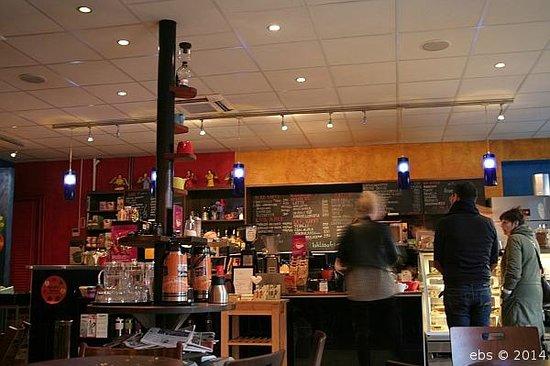 Kaffitar: At Kaffitár in Bankastræti.