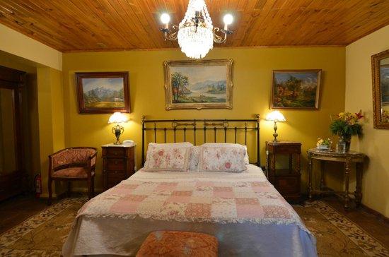 Hotel Boutique Vendimia Premium: Cama King Habitación Merlot