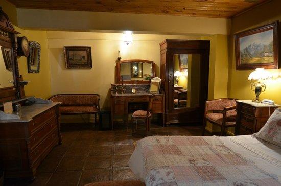 Hotel Boutique Vendimia Premium: Muebles Finos de Hab. Merlot