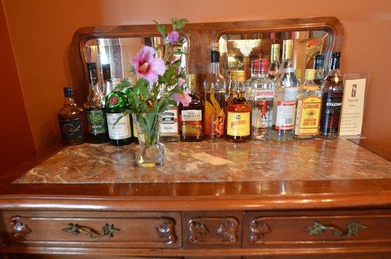 Hotel Boutique Vendimia Premium: Honesty Bar Licores