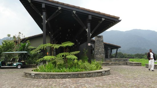 Nyungwe Forest Lodge: Reception area for Arrivals/ Departures