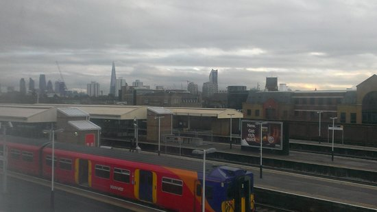 Travelodge London Vauxhall Hotel: View from room 424