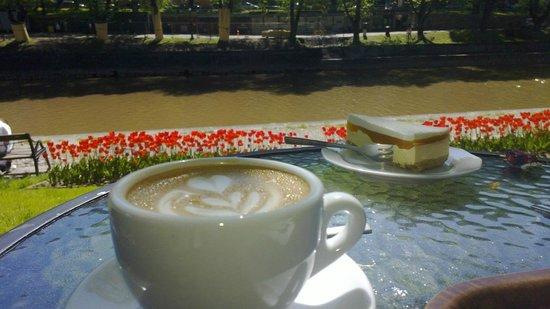 Cafe Art: Summer view