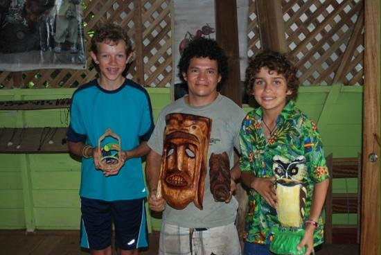 Talamanca Family Art: Our treasures from Gerado's shop
