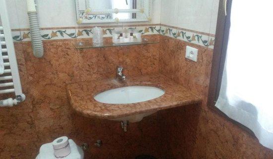 Hotel da Bruno: bathroom no.140