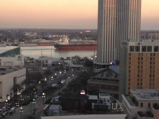 Sheraton New Orleans Hotel : Rolling down the river...