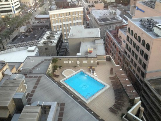Sheraton New Orleans Hotel Overlooking The Pool