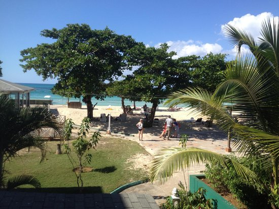 Negril Beach Club: View from our second story condo