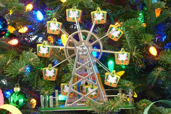 Shelburne Museum : Circus Christmas Tree