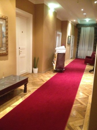 Hotel Altstadt Vienna: the colourful hall