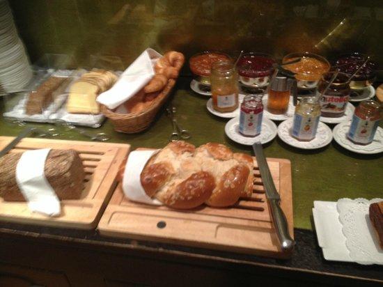 Hotel Altstadt Vienna: breakfast!