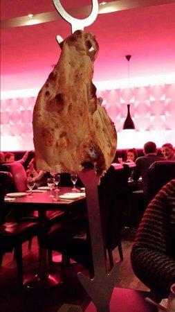 Akbar's: Nan bread