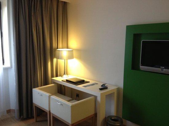 NH Nice: L intérieur de la chambre