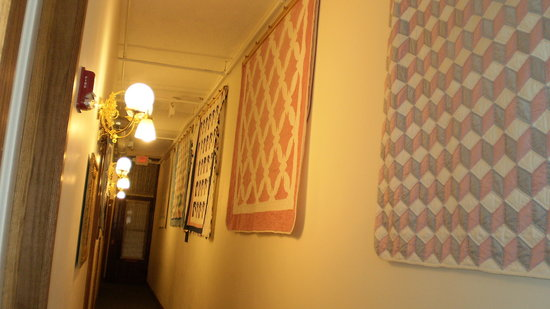 Hotel Millersburg: Second Floor Hallway