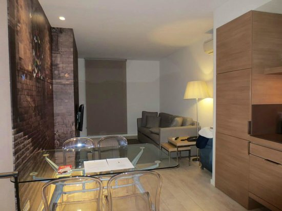 Eric Vokel Boutique Apartments - Gran Via Suites : hotel livingroom