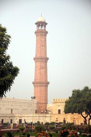 Badshahi Mosque: minaret