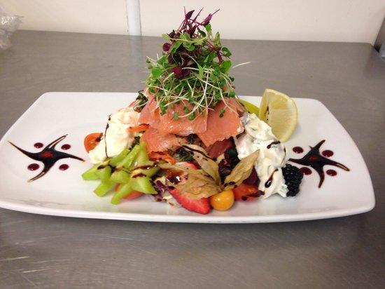The Hollybush Inn : Smoked salmon and salmon gravalax salad!