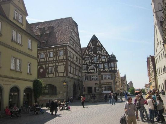 Altstadt: street view Rothenburg