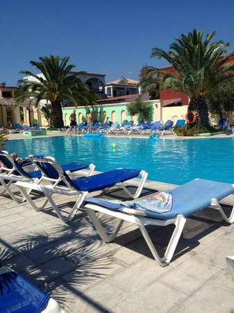 Trabukos Studios and Apartments: Pool area, friendly atmosphere
