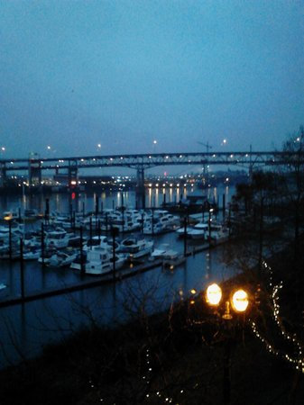 Kimpton RiverPlace Hotel: View from our condo.  Just beautiful rain or shine