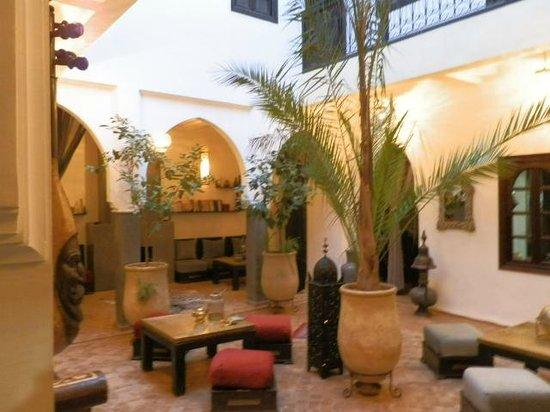 Riad Chafia : cour interieure