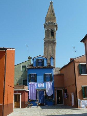 Laguna di Venezia: Burano, son clocher penché ...