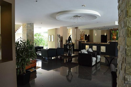 The Royal Corin Thermal Water Spa & Resort : Hotel Lobby