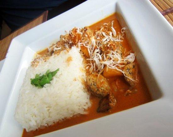 Tai Tai: siam curry with coconut and pineapple....mmmmm