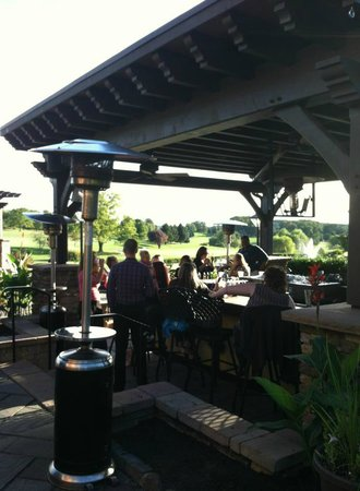 Heritage Hills Golf Resort & Conference Center: View of the outdoor patio at the pub
