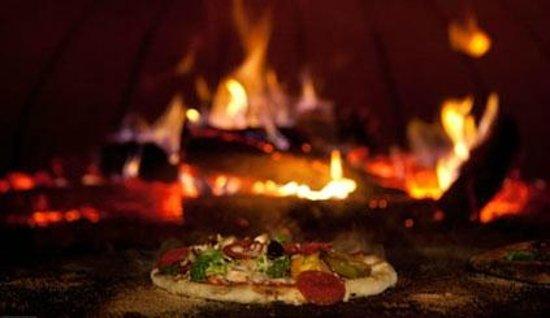 Prima Margherita: Woodefire Pizza