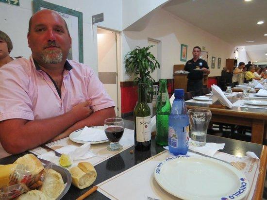 Chichilo: Yo acompañe con un vino. Contento por el precio.