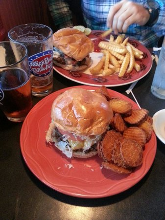Granger's Grille : Burgers and fries. Sweet potato fries are the way to go!