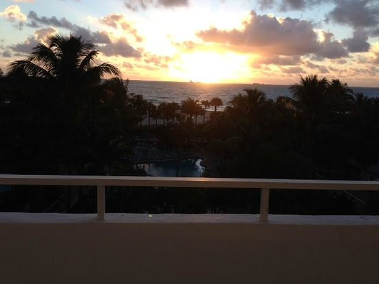 Hotel Riu Plaza Miami Beach : 6a.m sunrise